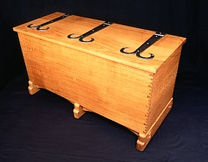 Cotswold Chest