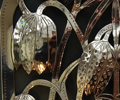 electric_sconce_flower_detail